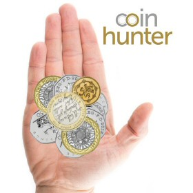 Coin Checker hand with 2009 Robert Burns £2