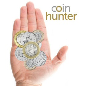 Coin Checker hand with 2010 Florence Nightingale £2